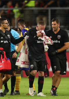 Rooney máu me be bét trong ngày ghi bàn đầu tiên cho đội bóng Mỹ