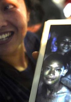 Hành trình 9 ngày tìm thấy đội bóng Thái Lan mất tích trong hang động ngập nước