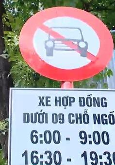 Hà Nội xem xét bỏ biển cấm taxi, xe hợp đồng dưới 9 chỗ trên 10 tuyến phố