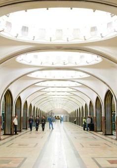 Phóng viên Thể Thao VTV tác nghiệp tại Nga: Vẻ đẹp các ga tàu điện ngầm tại Moscow