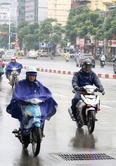 Sau chuỗi ngày nắng nóng kinh hoàng, Bắc Bộ sắp đón mưa dông diện rộng