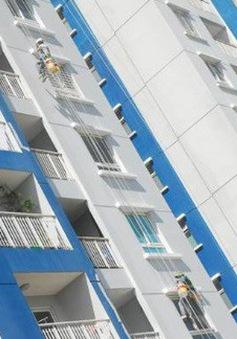 Bé gái 4 tuổi bị rơi từ tầng 7 chung cư xuống đất thoát chết thần kỳ