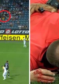 """Europa League: Trọng tài vỡ đầu, chảy máu đầm đìa vì """"vật thể bay"""" từ trên khán đài"""