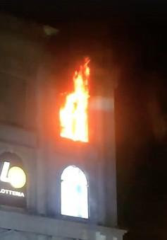 Cháy tại tầng 3 tòa nhà Diamond Plaza