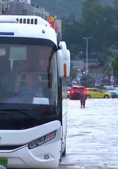 Mưa lớn gây lũ lụt nghiêm trọng ở Trung Quốc