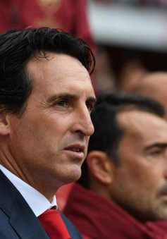 """Arsenal thua muối mặt, Unai Emery bị đồng nghiệp gọi là """"ngớ ngẩn"""""""