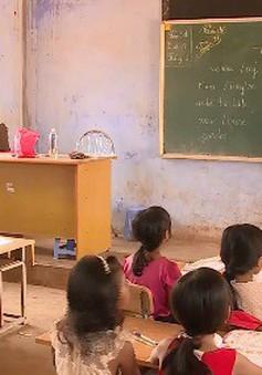 Hàng trăm giáo viên mất việc trước thềm năm học mới tại Đăk Lăk