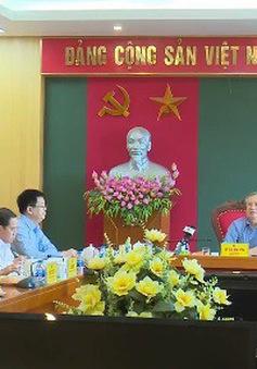 Đồng chí Trần Quốc Vượng làm việc với Ban Thường vụ Tỉnh ủy Thái Nguyên