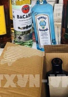 Thanh Hóa: Hàng trăm chai rượu ngoại không có giấy tờ hợp lệ bị thu giữ