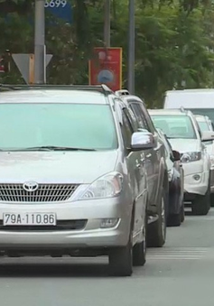 Nha Trang sẽ thu phí đỗ xe ô tô trên lòng đường