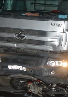 Khởi tố tài xế ngủ gật, tông 7 người thương vong ở Quảng Ngãi