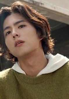 Park Bo Gum khoe mái tóc dài đầy chất lãng tử