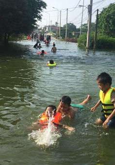 Ngập lụt ở Chương Mỹ: Nguy cơ đuối nước ở trẻ em