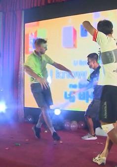 Giao lưu Giải xe đạp Quốc tế VTV Cup Tôn Hoa Sen 2018: Ngập tràn niềm vui