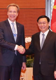 Phó Thủ tướng Vương Đình Huệ tiếp các tập đoàn lớn dự WEF ASEAN 2018