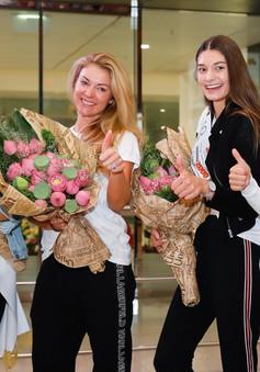Hoa hậu và Á hậu Áo rạng ngời khi đến Việt Nam