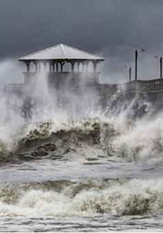 Mỹ tuyên bố tình trạng thảm họa do bão Florence