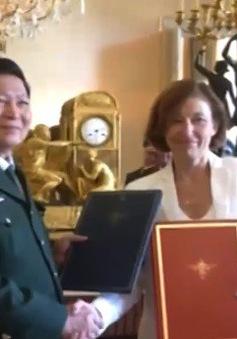 Việt Nam - Pháp ký tuyên bố tầm nhìn chung về hợp tác quốc phòng