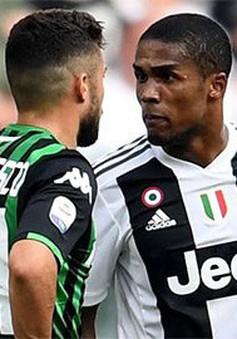Tiền vệ của Juventus nhận án phạt vì hành vi phi thể thao