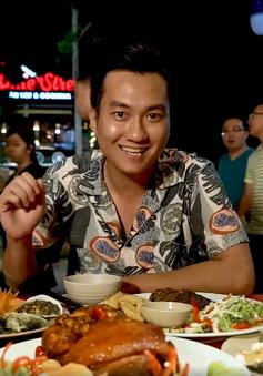 Cùng diễn viên Anh Tuấn khám phá ẩm thực tại phố đi bộ Hạ Long