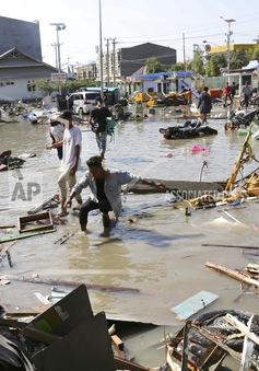 Indonesia nỗ lực tìm kiếm hàng trăm người bị sóng thần cuốn trôi