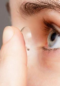 10 thói quen hàng ngày gây tổn hại thị lực của bạn