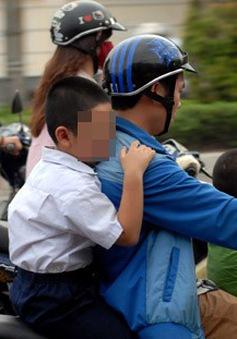 Nhiều hệ lụy đau lòng từ việc không đội mũ bảo hiểm cho trẻ em
