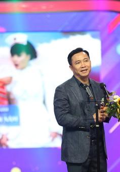 """""""Táo quân"""" lần 2 giành giải VTV Awards, """"ông trùm"""" Đỗ Thanh Hải hạnh phúc"""