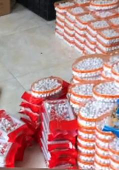 Thu giữ gần 11 tấn bánh kẹo bốc mùi hôi, chua