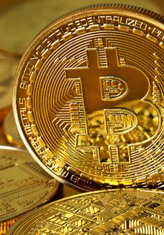 """Trung Quốc: Các """"thợ đào"""" Bitcoin vẫn có lời dù Bitcoin mất 1/2 giá trị"""