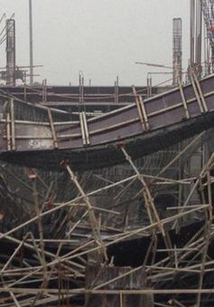 Đình chỉ thi công công trình sập giàn giáo khiến 6 người thương vong