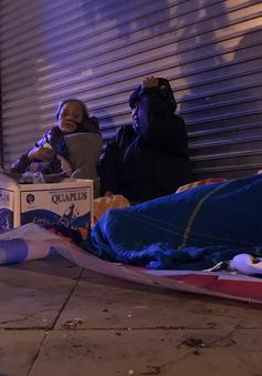 Hà Nội dưới 10 độ C, người vô gia cư lo ốm đau, bệnh tật