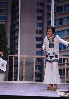 """Khổng Tú Quỳnh """"kể xấu"""" Ngô Kiến Huy và bị cưỡng hôn ở Ơn giời! Cậu đây rồi!"""