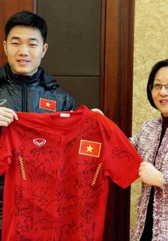 ĐT U23 Việt Nam nhận nguồn động viên quý báu từ Tổng lãnh sự quán Việt Nam tại Thượng Hải