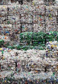 Anh ngập rác thải nhựa vì không thể xuất sang Trung Quốc