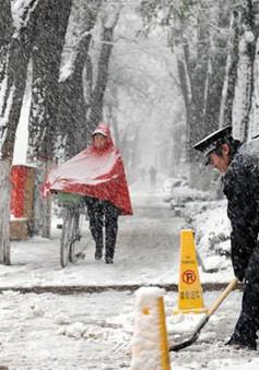 Trung Quốc khốn đốn vì bão tuyết