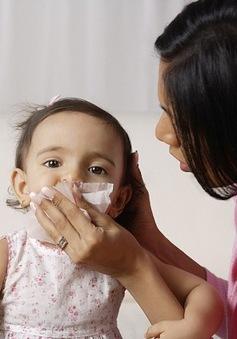 Không tự ý dùng kháng sinh cho trẻ bị cúm