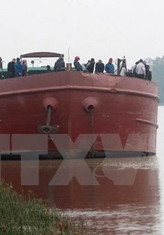 Tàu chở hàng va chạm với thuyền đánh cá, 1 người mất tích