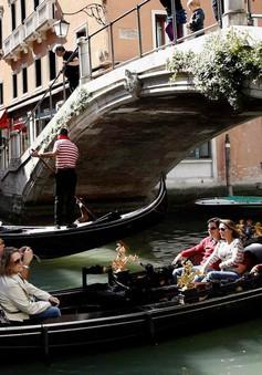 Venice thu phí du lịch để đối phó với làn sóng đông đảo du khách