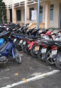 Tạm giữ 90 xe máy không chính chủ của tiệm cầm đồ