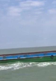 Cảnh sát biển tạm giữ tàu vận chuyển 300 tấn phân bón không nguồn gốc