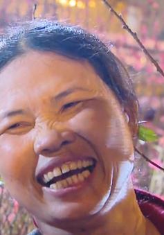 Niềm vui mưu sinh của tiểu thương chợ hoa đêm Quảng Bá