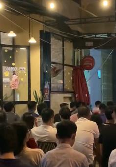 Người dân cả nước vỡ òa mừng chiến thắng của đội tuyển Việt Nam