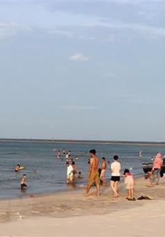 Một cô gái đuối nước khi tắm biển cùng nhóm bạn ở Quảng Trị