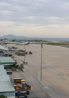 Ngày 10/10, sử dụng đường cất hạ cánh số 2 sân bay quốc tế Cam Ranh
