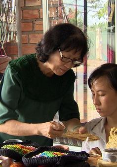 Cô giáo tâm huyết với người khuyết tật