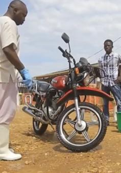 Bệnh nhân Ebola sống sót chung tay chống dịch bệnh