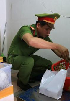 Đà Nẵng phát hiện cơ sở bơm tạp chất vào tôm hùm