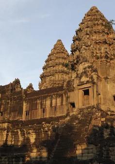 """Campuchia lo ngại Angkor """"ế"""" khách tham quan"""
