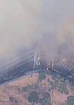 180.000 người phải sơ tán vì cháy rừng dữ dội tại California